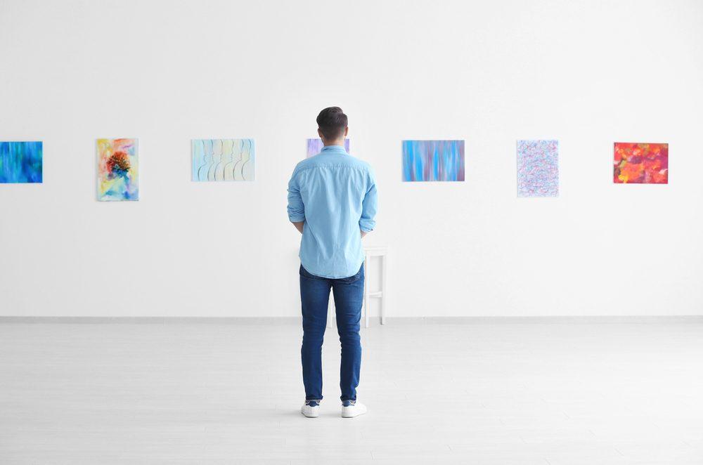 Diferencias entre galeristas y comisarios